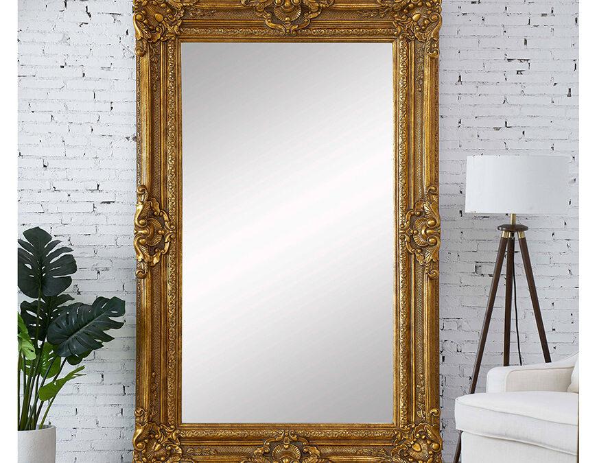 Magnifique miroir orné doré maintenant en magasin